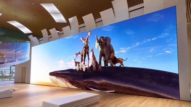 Image 1 : Un écran MicroLED 16K de presque 20 mètres de long chez Sony !