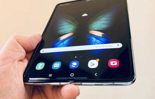 Image 1 : Galaxy Fold : Samsung repousse la sortie de son smartphone pliable !