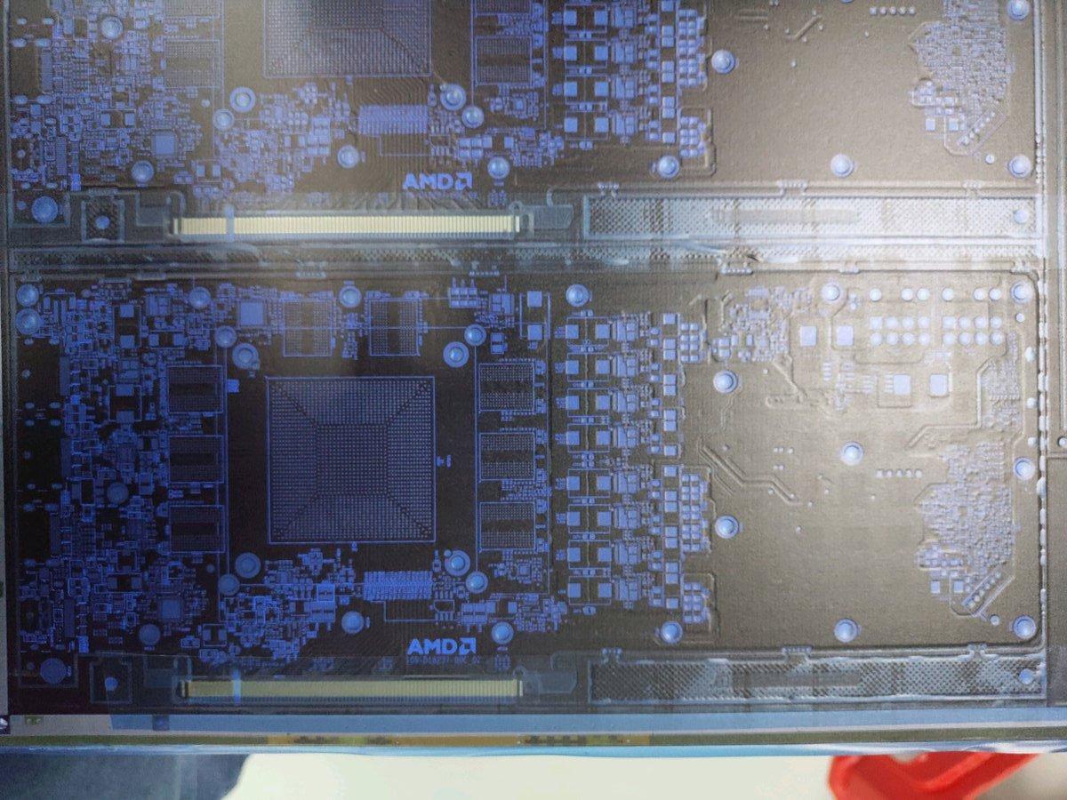 Image 1 : Premières images supposée d'un PCB de carte AMD Navi, et quelques hypothèses...