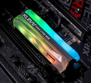 Image 2 : Klevv dévoile un SSD M.2 dégoulinant de RGB de tous les côtés