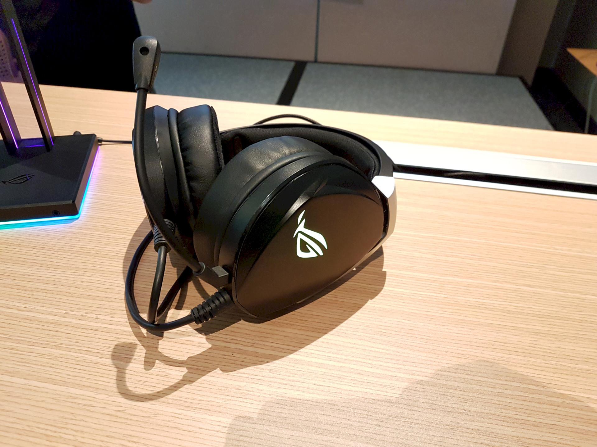 Image 1 : Computex : Asus propose deux casques audio gaming de luxe, Hi-Fi et 7.1