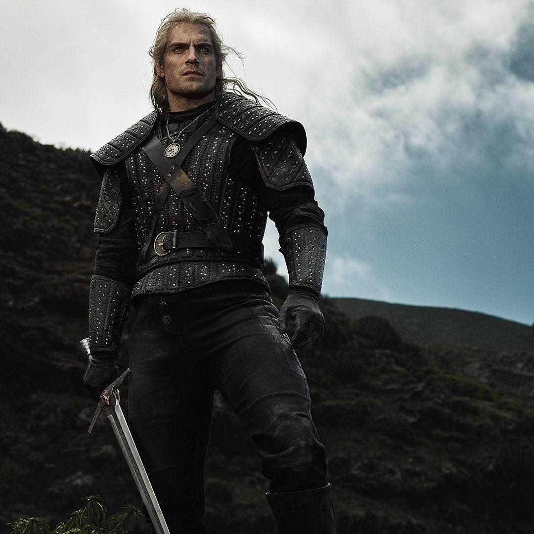 Image 1 : Les premières images de Geralt, Ciri et Yennefer de la série The Witcher !
