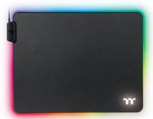 Image 2 : Thermaltake : deux tapis de souris illuminés RGB, qui coûtent le prix d'une souris