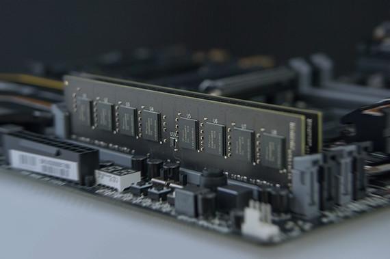 Image 1 : TeamGroup lance ses premières barrettes DDR4 de 32 Go en dual-rank