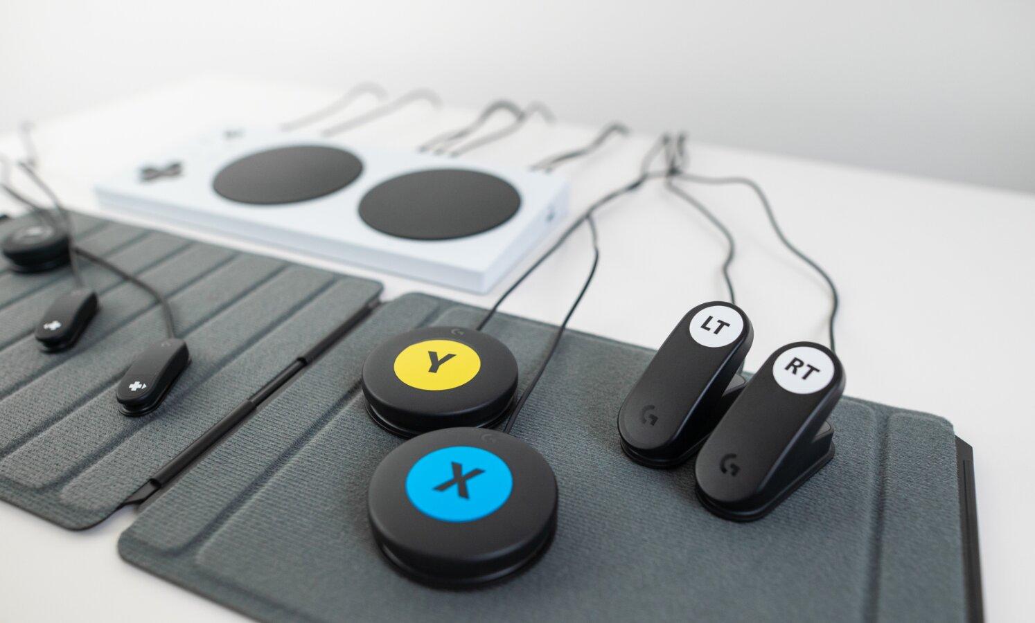 Image 1 : Logitech lance un Adaptive Gaming Kit pour les joueurs handicapés