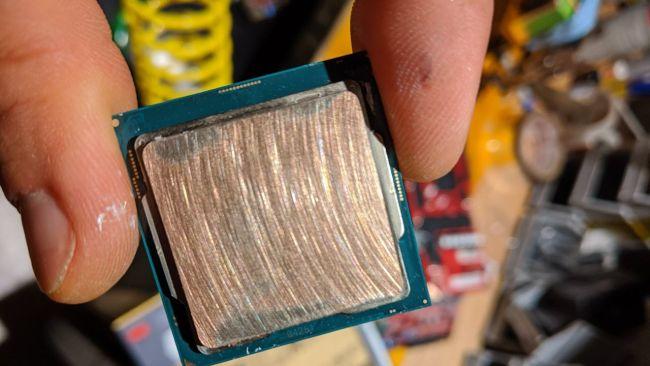 Image 4 : Record : les huit cœurs du Core i9-9900KS à 6,9 GHz !