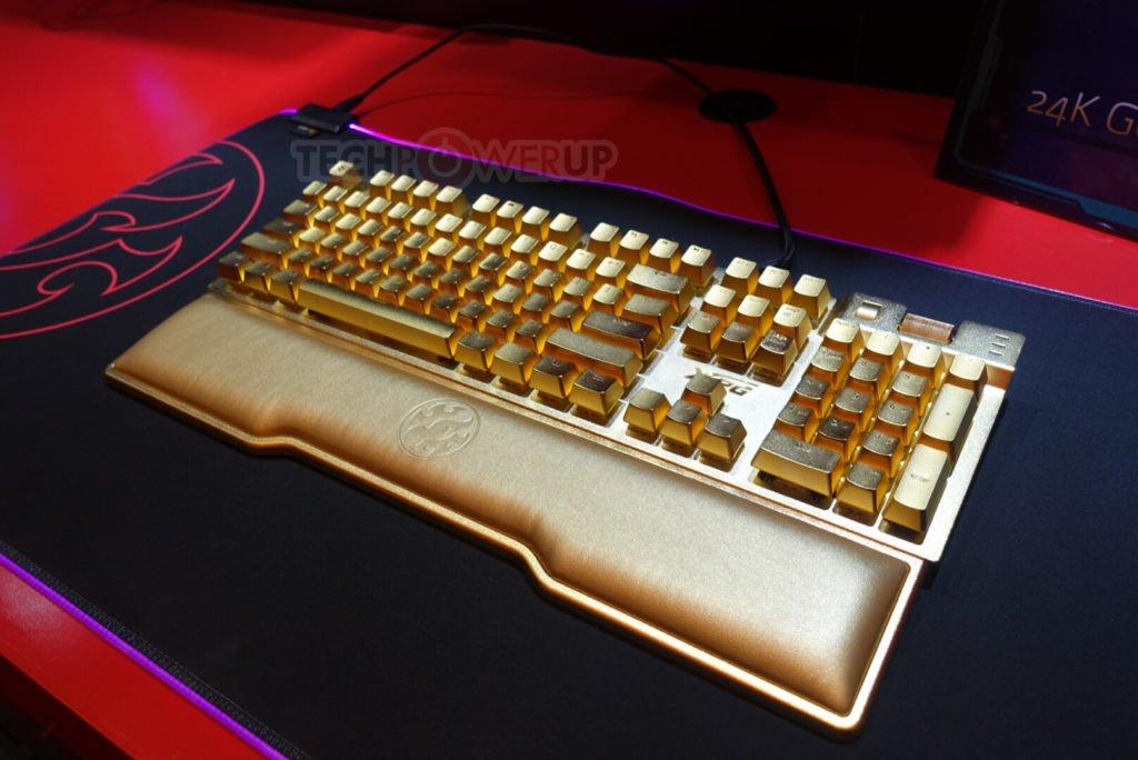Image 5 : Adata présente un clavier plaqué or, un écran UHD, des PC portables et plein d'autres produits