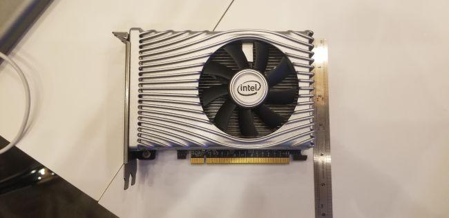 Image 2 : Intel Xe DG1 : présentation du GPU en mode Desktop