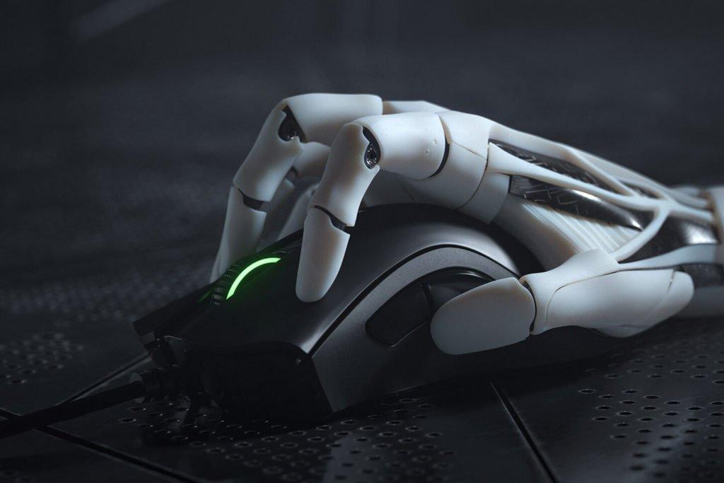 Image 1 : Razer octroie un capteur 20 000 dpi à ses souris Basilisk et DeathAdder